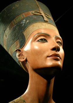 Centenario del descubrimiento de la reina Nefertiti
